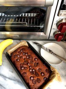 tahini banana bread with chocolate chips