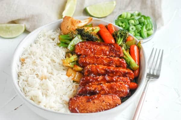 baked bbq tempeh with rice and veggies