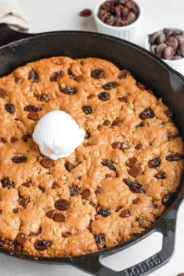 healthy oatmeal cookie skillet