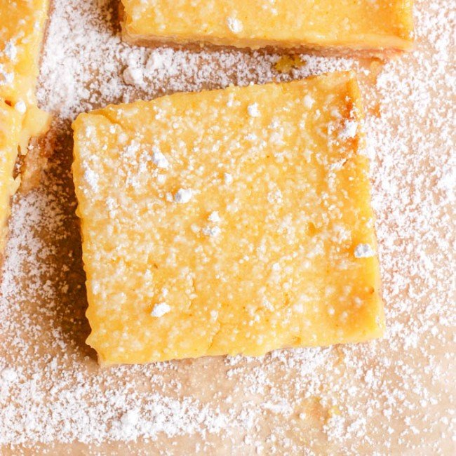 lemon bar with powdered sugar