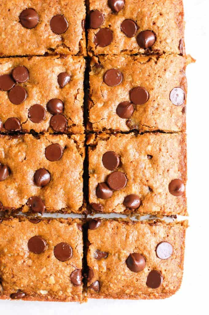 eight oatmeal chocolate chip bars