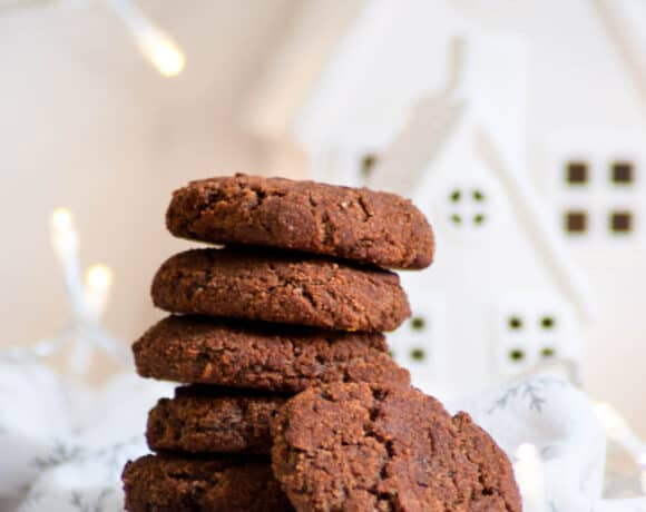 stack of healthy gingersnaps