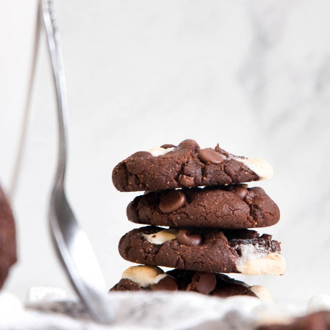 stack of hot cocoa cookies