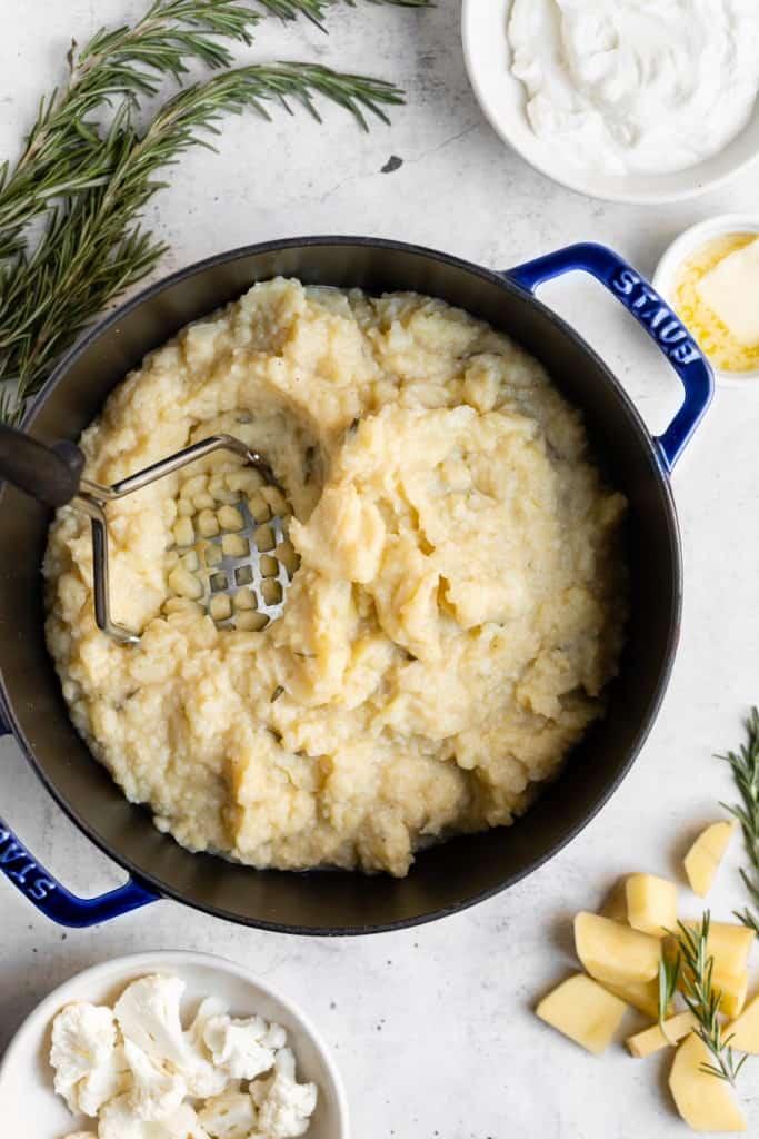 making mashed cauliflower potatoes